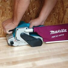 """Makita 9903 8.8 Amp 3"""" X 21"""" de velocidad variable Lijadora De Banda Con Bolsa De Polvo 3"""" X 21"""""""