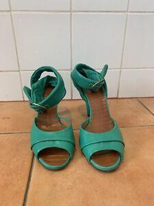 Tres chic Chie Mahara Sandals UK6/EU39