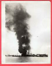 1937 Japanese Destroyer Shelling Port Shanghai China 7x9 Original News Photo