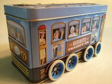 VINTAGE 2000 HERSHEY TRANSIT CO. ~Vehicle Series #2~ tin metal TROLLEY w/WHEELS!