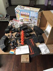 Tomy AFX 9939 Super International Race Set Complete Slot Car Set Super G Plus