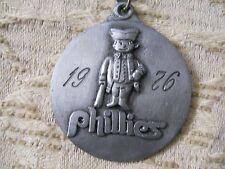 "Philadelphia Phillies 1976 1-3/4"" Medallion Necklace Autographs of Players"