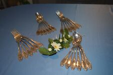 12 COUVERTS DE TABLE METAL ARGENTE DECOR STYLE LOUIS XV