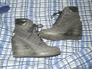 TIMBERLANDS SIZE 4 wedge heel lace up black boot