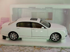 MINICHAMPS BENTLEY CONTINENTAL FLYING SPUR 2005  WHITE ART.100139461 1:18 NEW