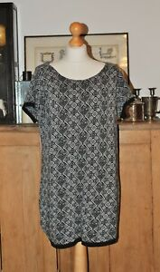 LADIES ORIGINALS BLACK AND WHITE JUMPER / DRESS / TUNIC SIZE L