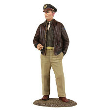 BRITAINS SOLDIERS WW2 25028 - USAAF Bomber Pilot Standing with Cigarette