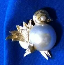 Vintage Napier Bird Pin / Brooch Gold Tone - Fashion Jewelry Faux Pearl Accents