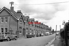 PHOTO  1979 SURREY STATION APPROACH ROAD WITH GAS LAMP LOOKING UP STATION APPROA