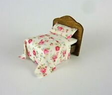 Dollhouse Miniature Artisan Quarter Scale 1:48 Bed w/ Roses