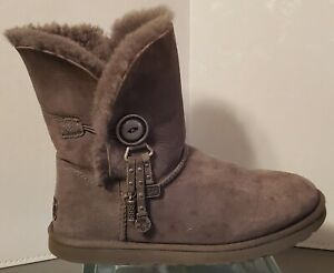 UGG GRAY LEATHER BOOTS WOMEN'S SIZE 9