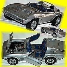 Chevrolet Corvette Grand Sport Roadster 1962 silber silver metallic 1:18 Exoto