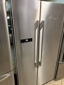 Fisher and Paykel  610 Litre Side by Side Fridge Freezer (6mth warranty)
