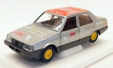 Burago 1/24 Scale Diecast Model Car 1518H - Fiat Regata Racing Car - Silver