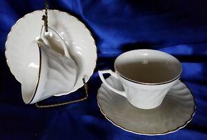 6 Aberdeen Fine China Swirl Gold Trim Pattern Cup & Saucer