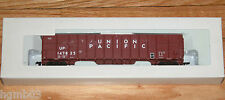 WALTHERS 932-4054 HO 61' WOOD CHIP HOPPER UNION PACIFIC UP 147825