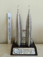 """PETRONAS TWIN TOWERS MALAYSIA 12"""" TALL MODEL (ONE OF THE WORLD TALLEST BUILDINGS"""