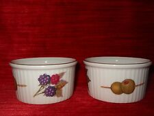 VTG Royal Worcester Fine Porcelain Oven/Tableware 2 Olive Berry Ramekins  ENGLAND