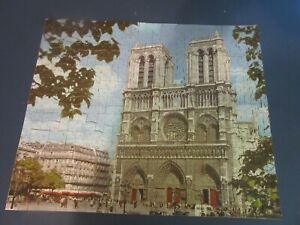 Jaymar interlocking academy award picture puzzle 5000-14 Notre Dame cathedral vt