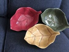 Collectible Home Trends Leaf Shaped Set Of Three Stackable Ceramic Bowls