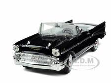 1957 CHEVROLET BEL AIR CONVERTIBLE BLACK 1:32  MODEL CAR SIGNATURE MODELS 32430