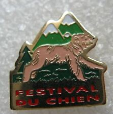 Pin's Le Festival du chien Animal montagne #C4