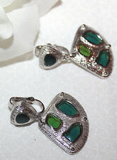 LOVELY CROWN TRIFARI CLIP ON EARRINGS WITH STAINED GLASS LOOK/RESIN?-EXCELLENT!