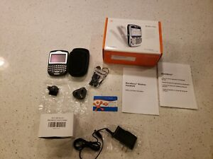BlackBerry 8700c black cingular Smartphone holds charge charger case manual box