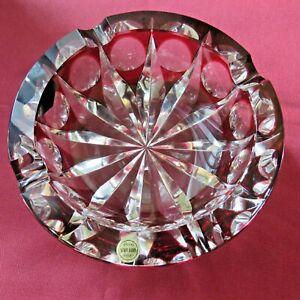 cendrier en cristal de saint louis de couleur rouge modèle ambassadeur Ø 15 cm
