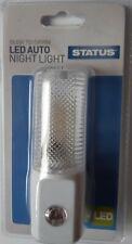 Led Auto Night Light Plug Sensor STATUS automatic turns on dusk off at dawn AA+