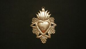 MIRACLES EX VOTO,SACRED HEART OF JESUS,VINTAGE ITEM,MADE IN PERÙ.OF SILVER ,11.5