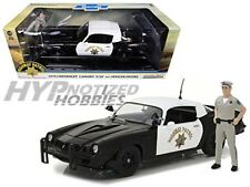 GREENLIGHT 1:18 1979 CHEVROLET CAMARO Z/28 CHP W/ OFFICER DIE-CAST B&W 13506