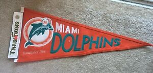"""Winning Streak Sports Pennant Traditions Miami Dolphins Throwback to 1966, 32"""""""