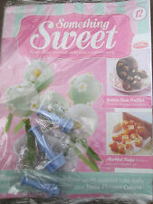 DEAGOSTINI SOMETHING SWEET MAGAZINE ISSUE 12 WITH 3 X PLUNGER FLOWER CUTTERS