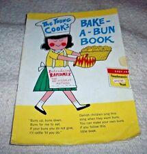 1967 THE YOUNG COOK'S BAKE-A-BUN BOOK FLEISCHMANN'S ACTIVE DRY YEAST ENGLISH ILL