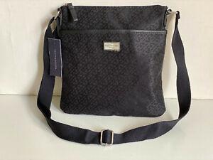 NEW! TOMMY HILFIGER BLACK MEDIUM CROSSBODY MESSENGER SLING BAG PURSE $69 SALE