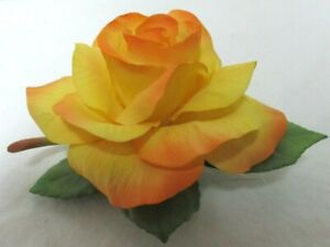 """BOEHM """"Clinton Victory Rose"""" Yellow green Leaves figurine Collectible Sculpture"""