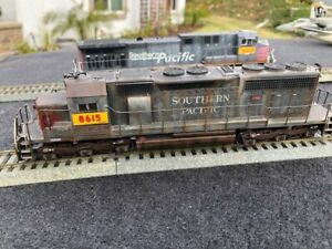 1:87 ATHEARN GP40 SP/UP PATCH 8615 PROFESSIONALLY WEATHERED AND DETAILED DCC?