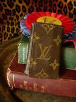 RARE Vintage LOUIS VUITTON SAKS LV Monogram Key Ring Keeper Wallet Accessory FC