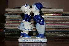 Small Holland Kissing Figurine in Great Condition