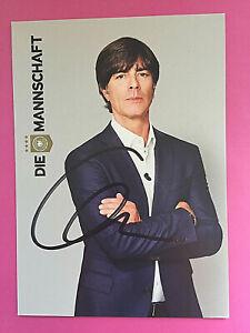 Joachim Löw  -  Bundestrainer  -  original signierte Autogrammkarte