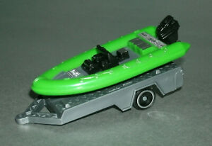 1/64 Scale Plastic Pontoon Boat with Trailer (Inflatable Style Raft) Greenbrier