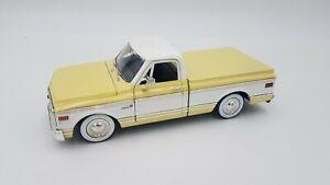 JADA - 1:24 Scale - 1972 Chevrolet Cheyenne Pickup - Yellow/White - #50580-9