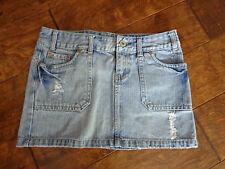 AMERICAN EAGLE women's EUC sz 6 denim jean distressed mini skirt- 12'' front
