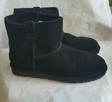 NEW IN BOX UGG WOMEN'S CLASSIC UNLINED PERF SUEDE  BOOTS 1016852 BLACK SIZE 8