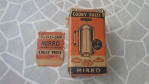 Vintage MIRRO Aluminum Easy Grip Cooky /Cookie Press + 12 Discs , Orig Box  !!