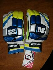 Cricket Batting Gloves Platino by Ss Sunridges