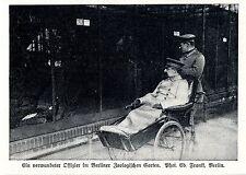 Ein verwundeter Offizier im Berliner Zoologischen Garten 1.WK- Bilddokument 1915