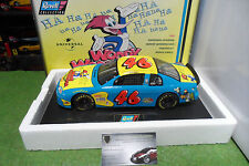 CHEVROLET MONTE CARLO # 46 NASCAR 1997 WOODY WOODPECKER 1/18 REVELL 4234 voiture