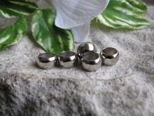 20 Ringe geschlossen rund 8x1,5mm Perlen 8309